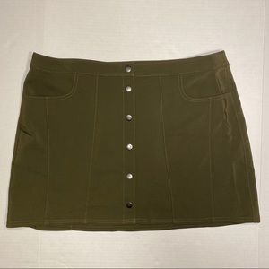 NWT Express Olive Green Snap A-Line Mini Skirt